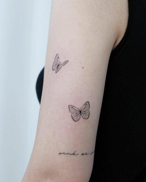 Mariposas ;13 Tatuajes minimalistas a los que no te podrás resistir
