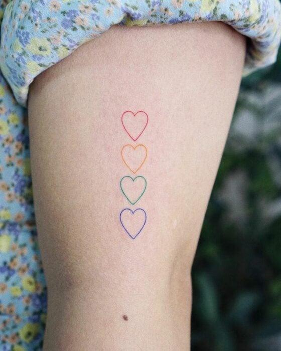 Corazones en arcoíris ;13 Tatuajes minimalistas a los que no te podrás resistir