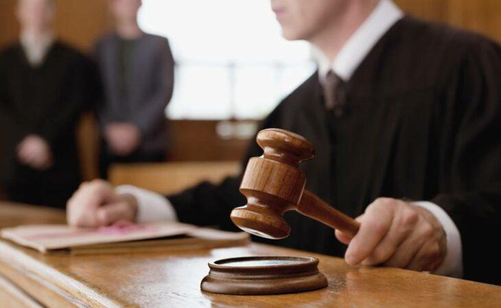Juez en juicio ;15 Vecinos tan molestos que no te gustaría vivir en su vecindario