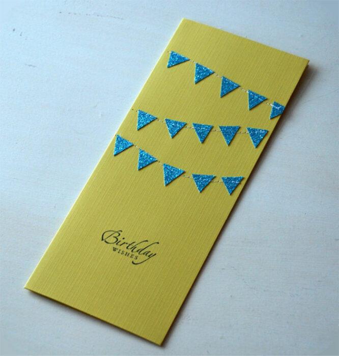 Invitación para un cumpleaños de color amarillo