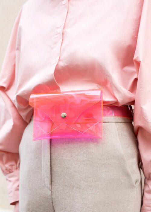 Cangurera en tono rosa ;Monederos transparentes que vas a querer