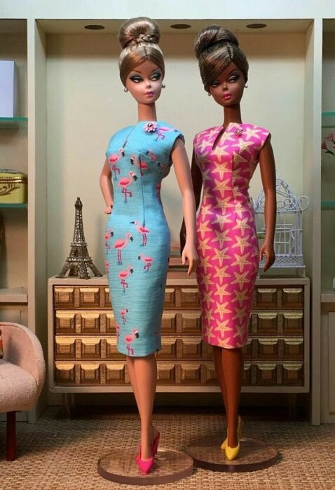 Muñecas con vestidos ceñidos ;Muñecas Barbie con estilo Pin Up