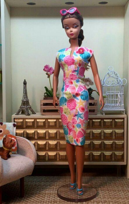 Muñeca con vestido a flores ;Muñecas Barbie con estilo Pin Up