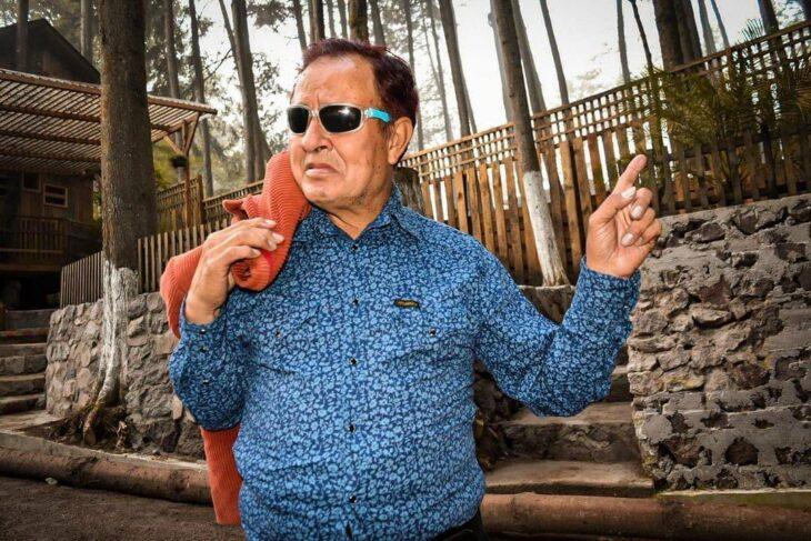 Sammy Perez posando para una fotografía