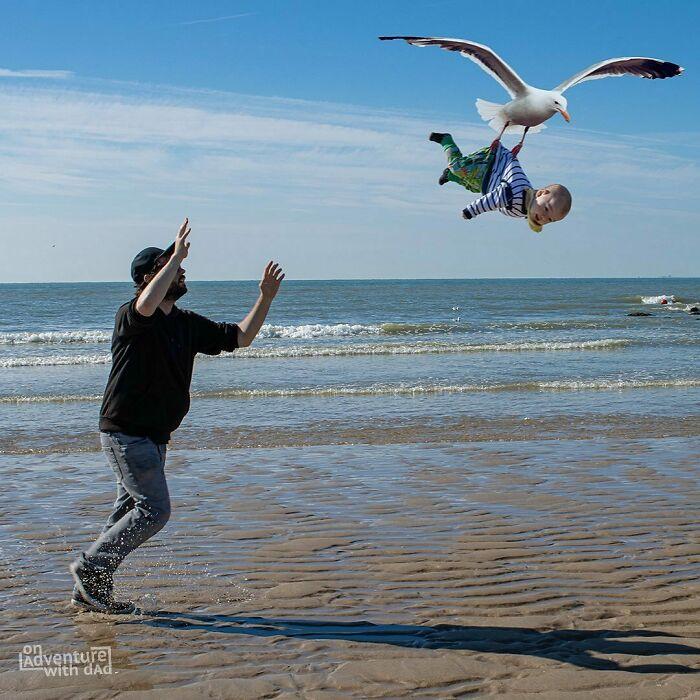 paseo en la playa ;Papá le envía a su novia estas fotos cada vez que le pregunta si sus bebés están bien