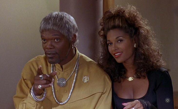 Actor usando una peluca en una película