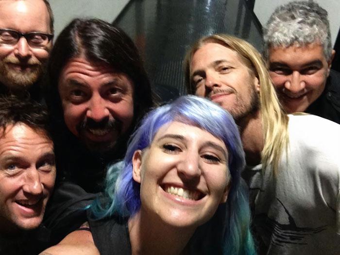 Foo Fighters ;18 Personas que conocieron a sus celebridades favoritas por casualidad