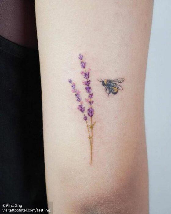 Abeja miniatura ;15 Hermosos insectos que sí querrás llevar sobre tu piel