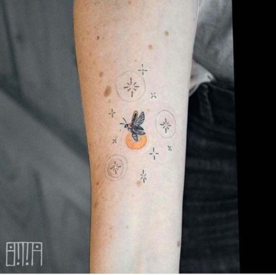Luciérnaga ;15 Hermosos insectos que sí querrás llevar sobre tu piel