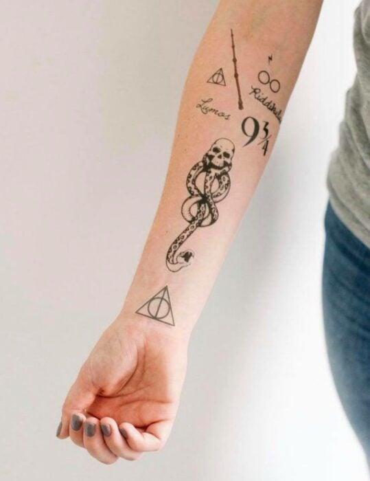 Marca tenebrosa ;18 Tatuajes inspirados en 'Harry Potter' que te llevarán de vuelta a Hogwarts