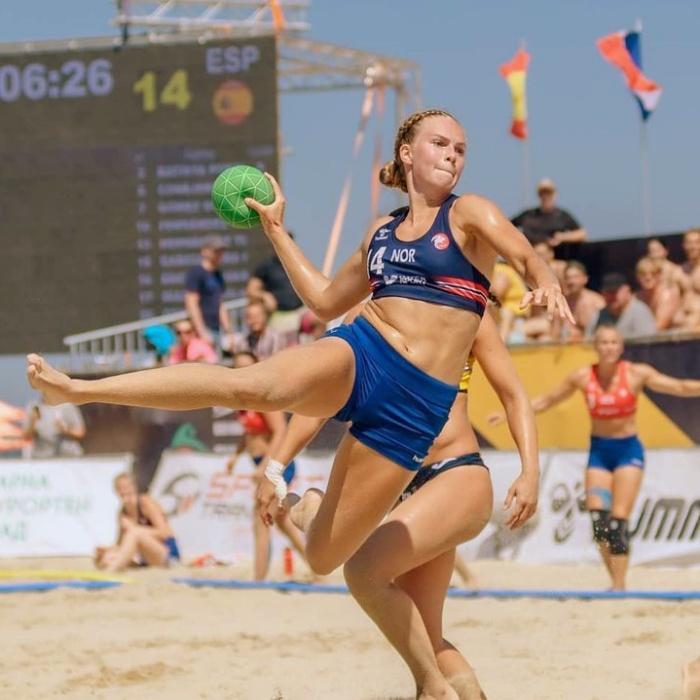 jugadoras del equipo femenil de handball