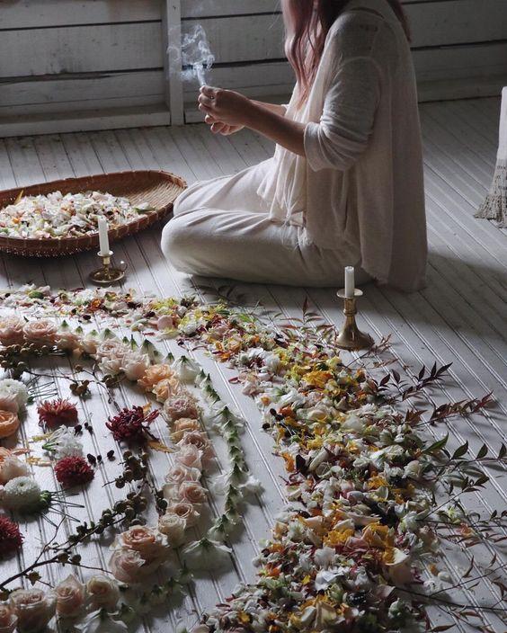 ritual con flores ;17 Imágenes que tu brujita interior amar ver una y otra vez
