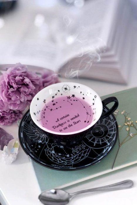 taza de té de moras ;17 Imágenes que tu brujita interior amar ver una y otra vez