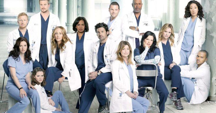 Escena de la serie Grey's Anatomy ;Esta empresa promete pagar mil dólares por ver 'Grey's Anatomy' de inicio a fin