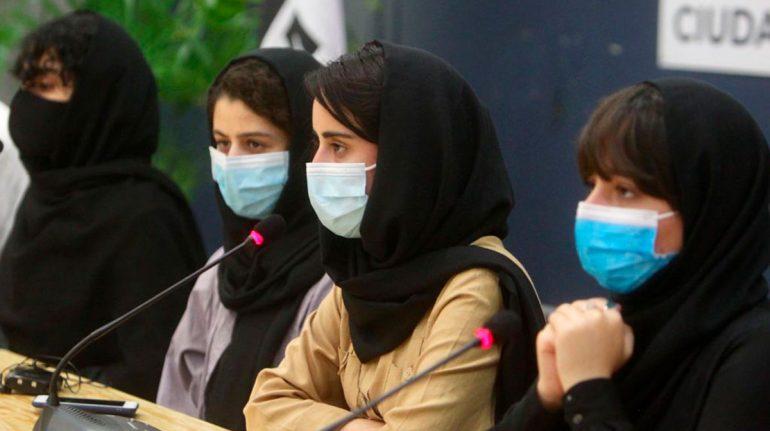 Mujeres afganas; México recibe a las primeras refugiadas afganas y espera el arribo de un grupo de 150 más