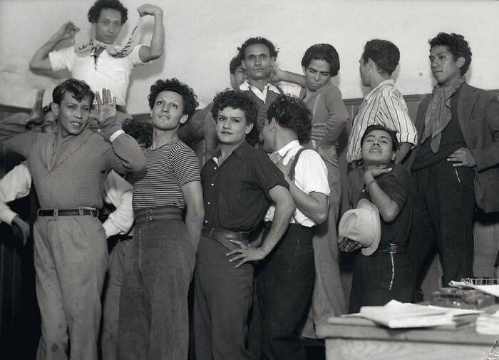 grupos de hombres ;16 Pruebas de que los abuelos eran cool y no necesitaban de filtros en sus fotos