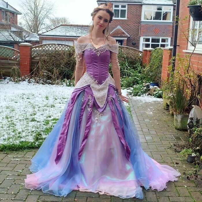 Aurora; Vestidos inspirados en Barbie y Princesas Disney