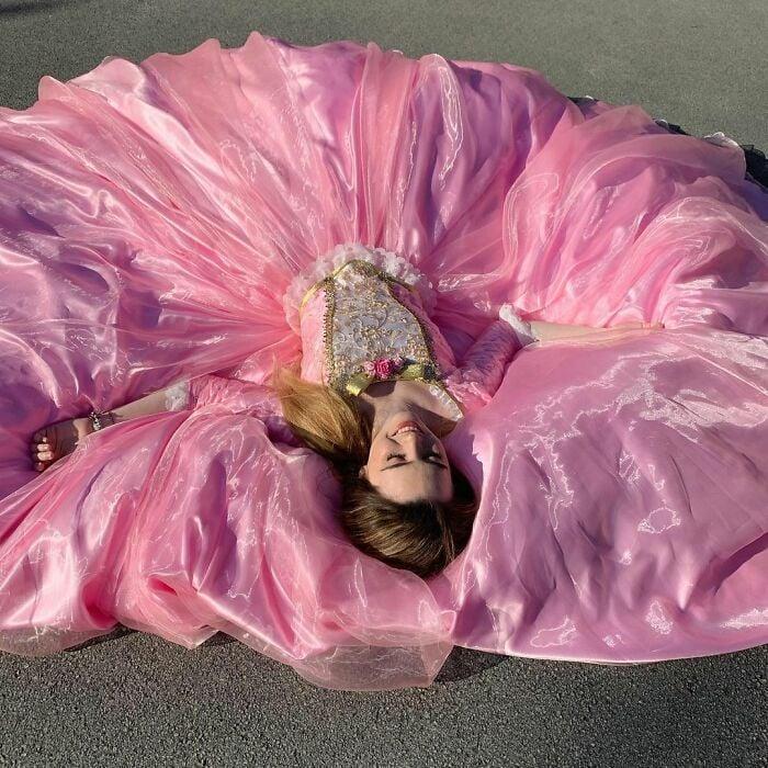 Barbie; Vestidos inspirados en Barbie y Princesas Disney