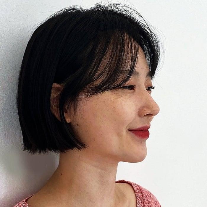 corte de cabello estilo oriental, coreano con capas, largo, corto, color oscuro, negro, café, rubio cenizo, claro