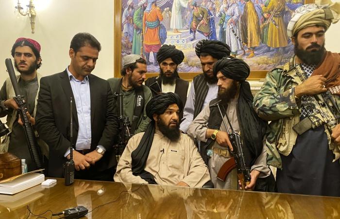 insurgentes islámicos tomando poder de Afganistán