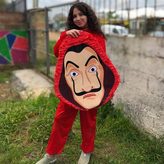 piñata ;Ideas para una fiesta al estilo de La casa de papel