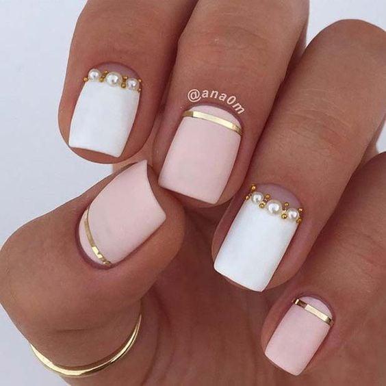 manicura con cintilla de perlas ;17 Manicuras con perlas para sentirte como una sirena real