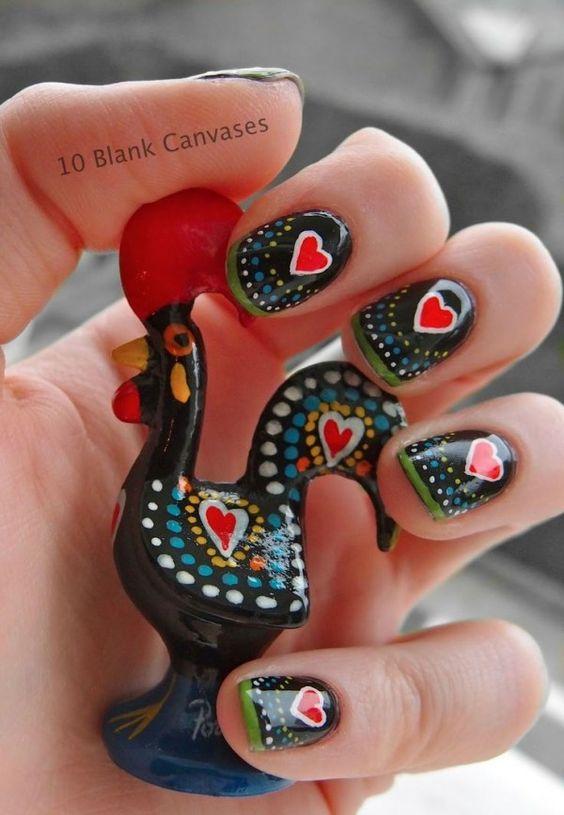 Uñas negras con corazones ;20 Ideas para darle a tus uñas un estilo mexicano y lleno de color