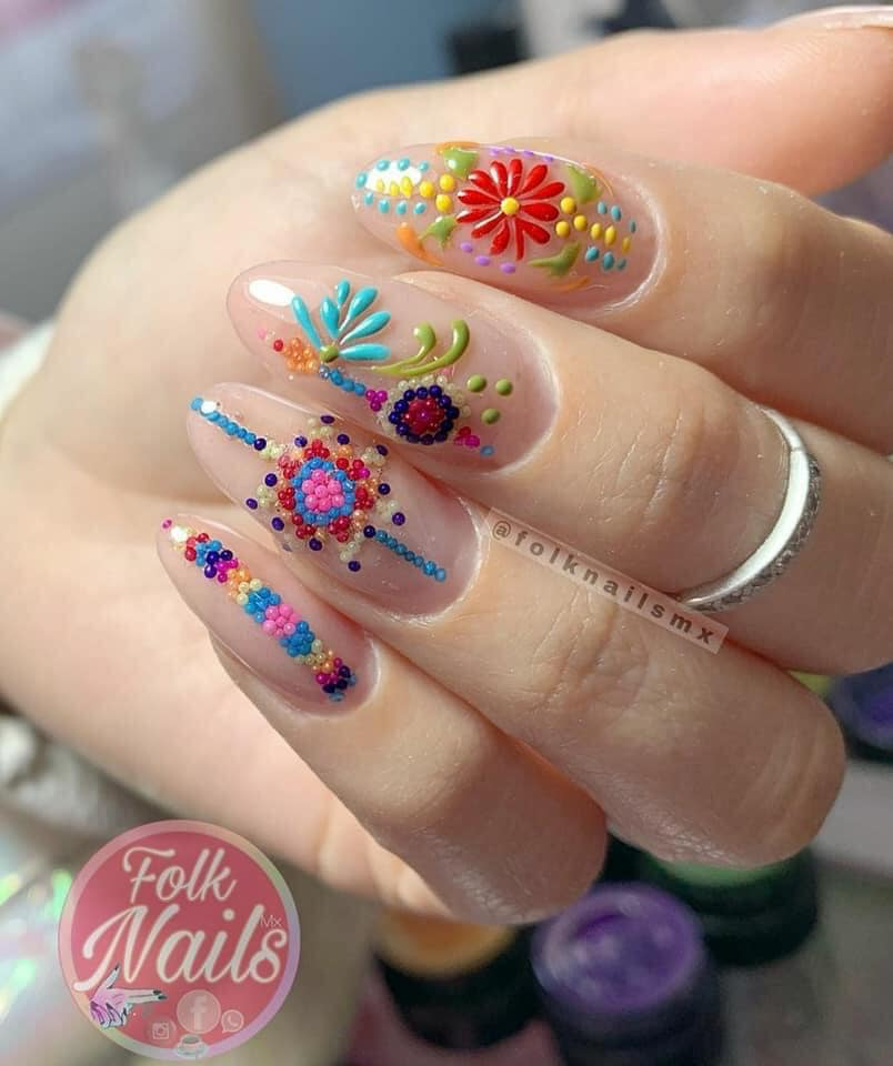 uñas cristal con guias de colores ;20 Ideas para darle a tus uñas un estilo mexicano y lleno de color