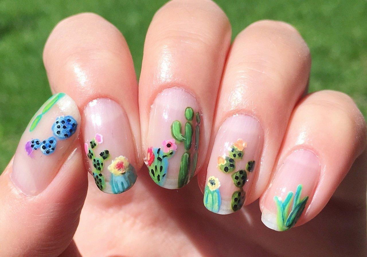 Uñas cristal con nopales ;20 Ideas para darle a tus uñas un estilo mexicano y lleno de color