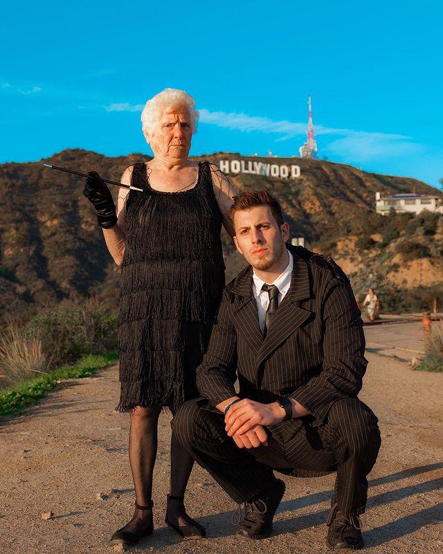 Ross Smith y Pauline Kana en Hollywood ;Abuela y nieto toman las mejores selfies