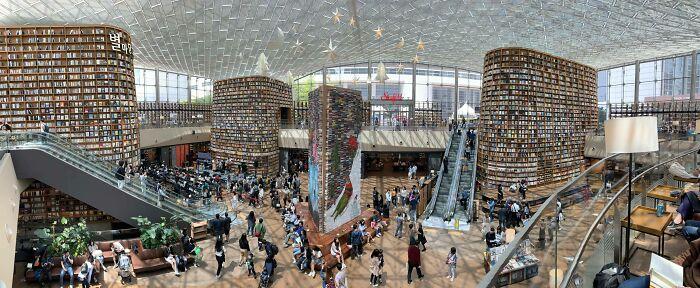 Biblioteca pública; Corea es de otro mundo y estas fotos lo prueban