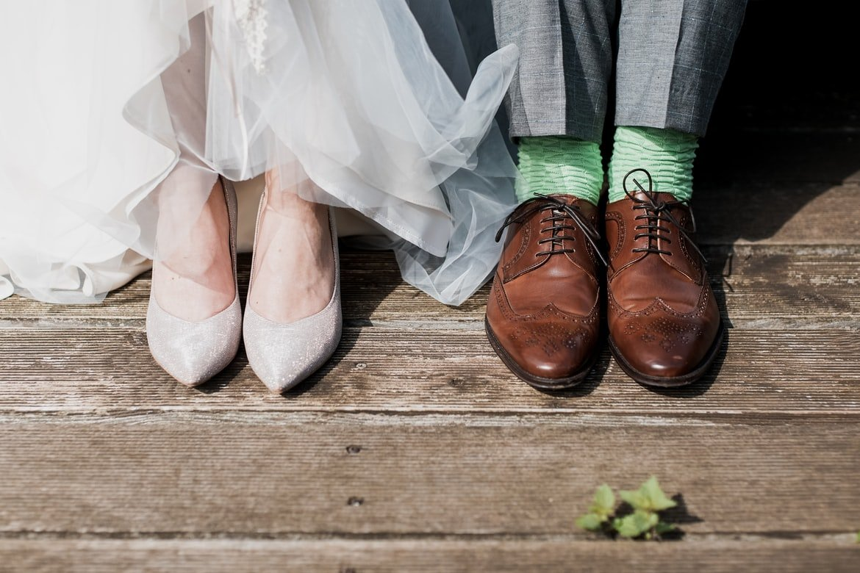Zapatos de boda; Fotógrafa borra todas las fotos de una boda porque le negaron agua y comida