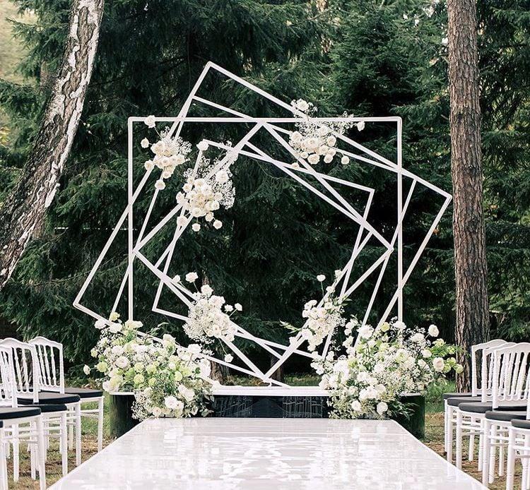 altar con cuadros ;15 Altares de boda que te harán decir: 'Sí, acepto'