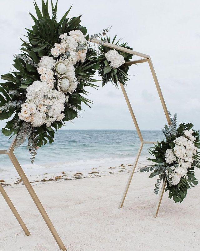 altar de héxagono en 3d ;15 Altares de boda que te harán decir: 'Sí, acepto'