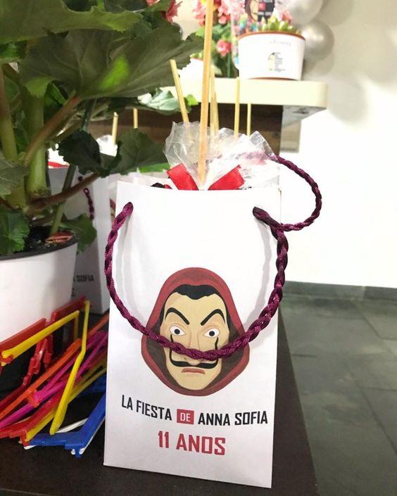 aguinaldo ;Ideas para una fiesta al estilo de La casa de papel