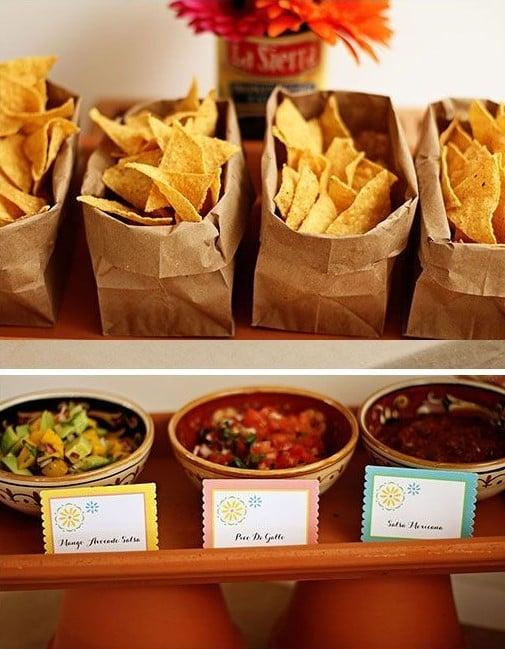 barra de nachos ;Ideas para una fiesta mexicana