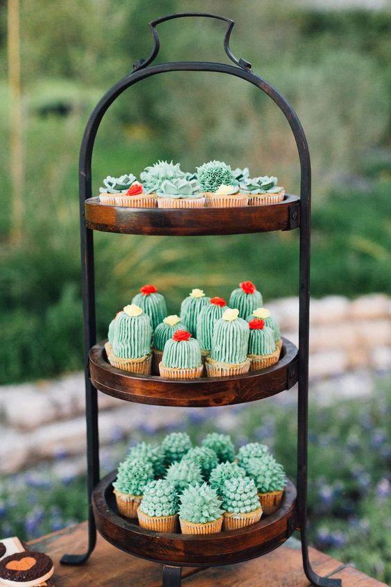 cupcakes;19 Ideas para una fiesta mexicana colorida y con mucho sabor