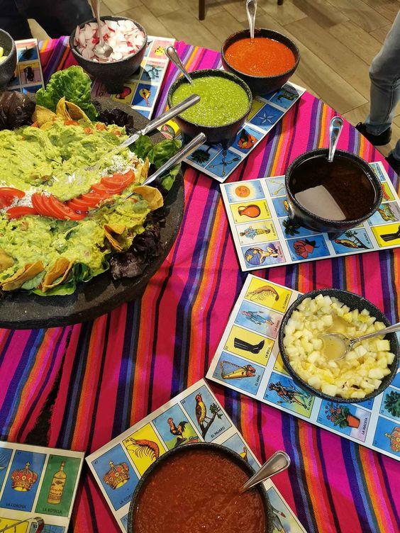 cartas de lotería como manteles ;19 Ideas para una fiesta mexicana colorida y con mucho sabor