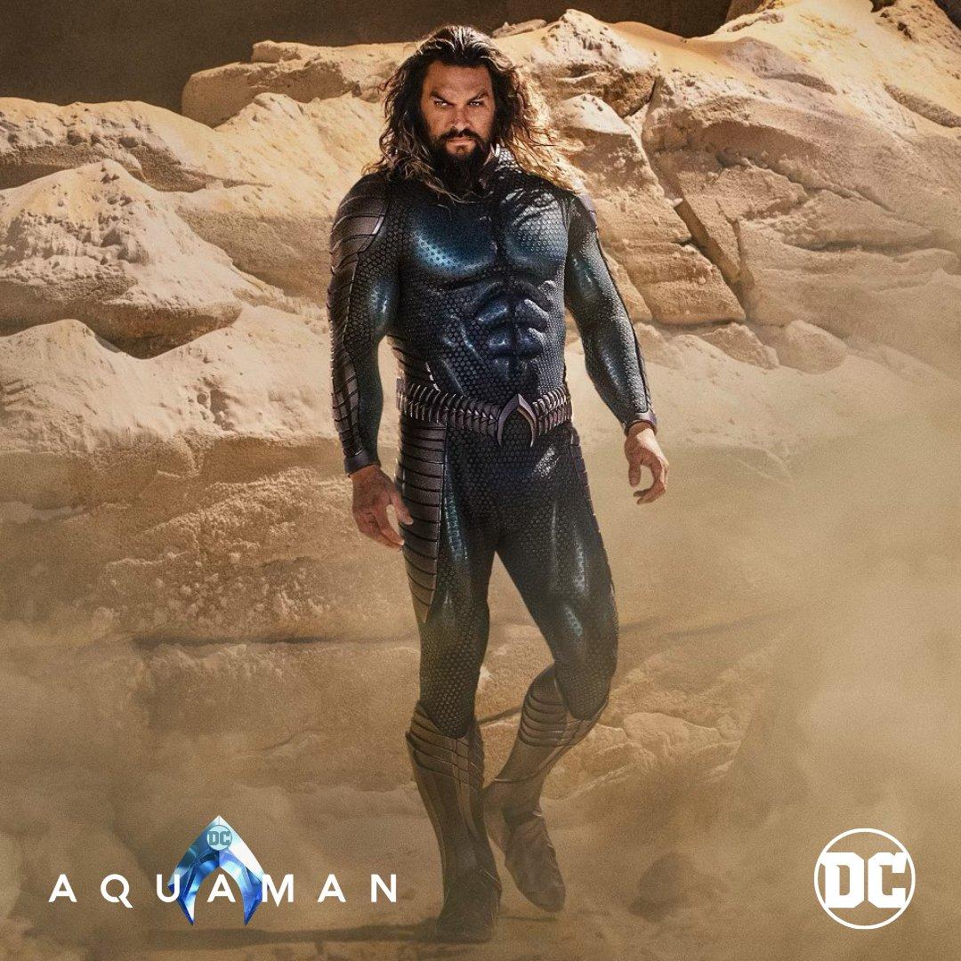 Jason Momoa con el nuevo traje de aquaman