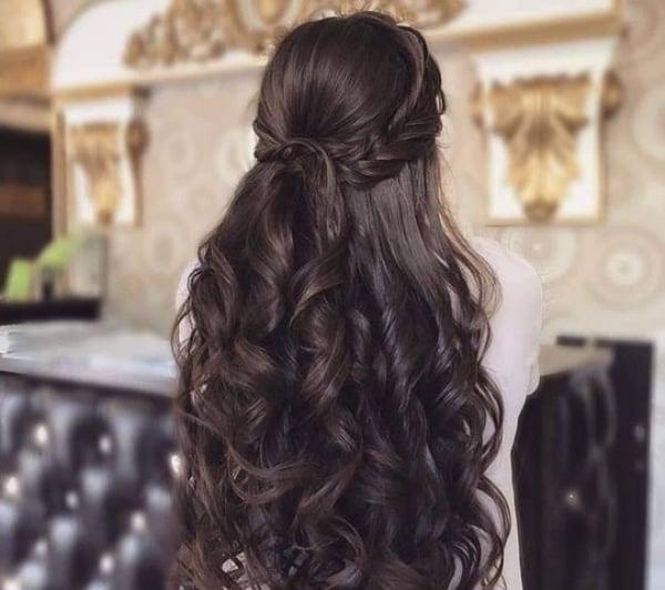 peinado con ondas gruesas ;15 Peinados para ser la nueva Daphne Bridgerton