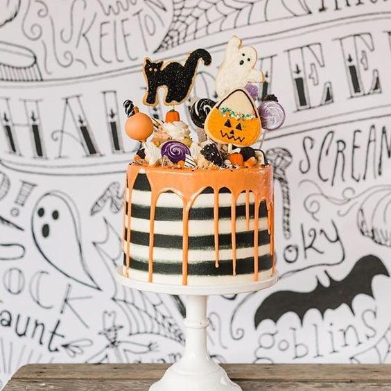 Pastel de calabaza ;18 Ideas para celebrar tu baby shower en Halloween