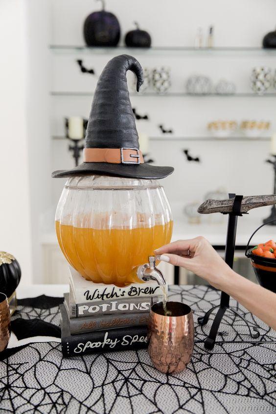 jugo de calabaza ;18 Ideas para celebrar tu baby shower en Halloween