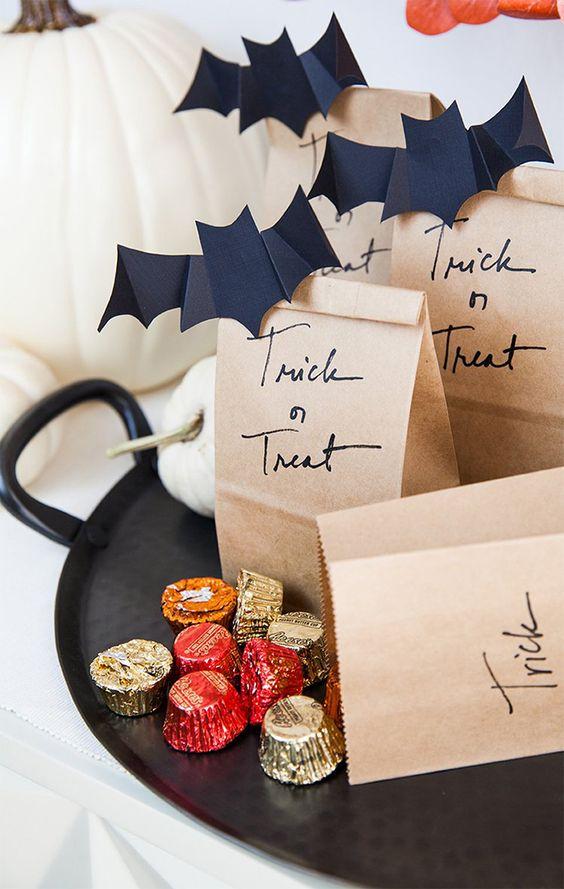 aguinaldos con papel craft ;18 Ideas para celebrar tu baby shower en Halloween