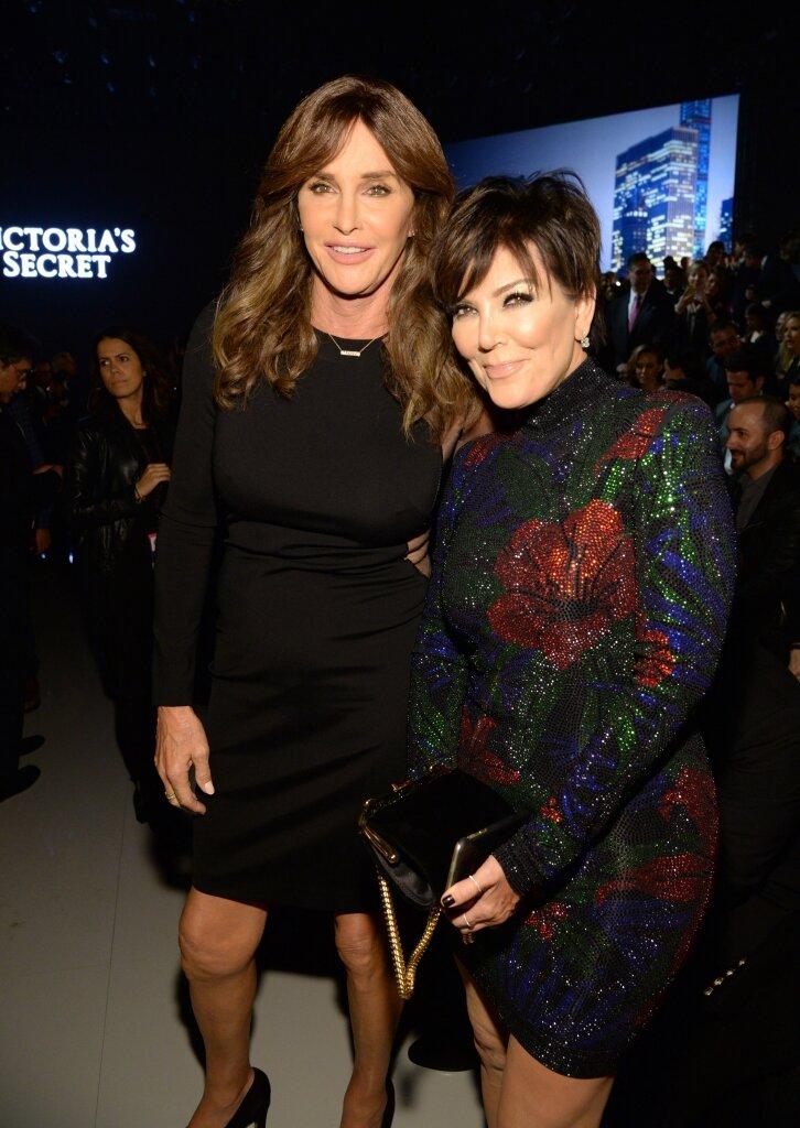 Caitlyn Jenner; Kim Kardashian debuta en 'SNL' con un irreverente monologo que puso a reír a internet