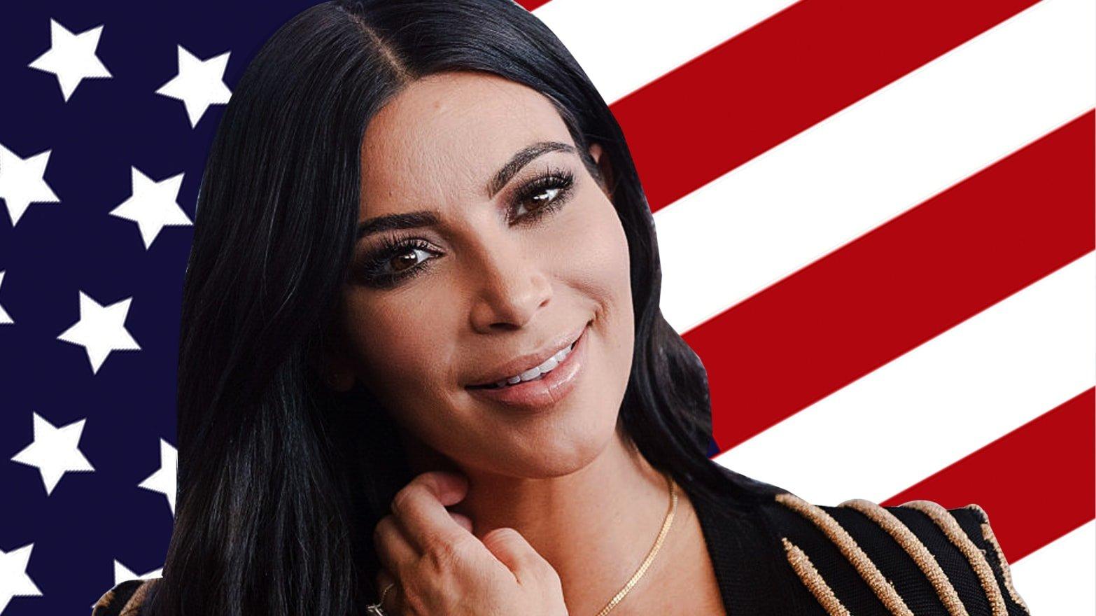 Kim Kardashian política; Kim Kardashian debuta en 'SNL' con un irreverente monologo que puso a reír a internet